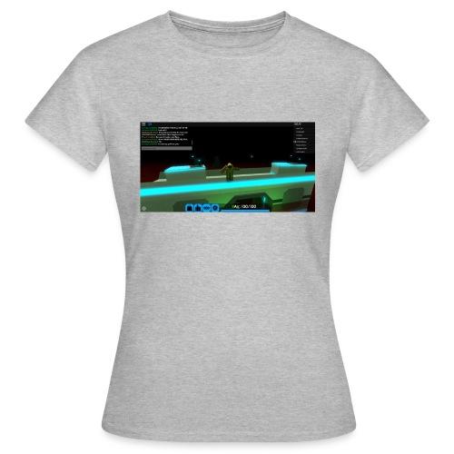 RobloxScreenShot20180804 124355106 - Women's T-Shirt