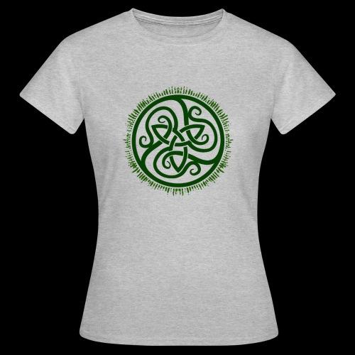Green Celtic Triknot - Women's T-Shirt