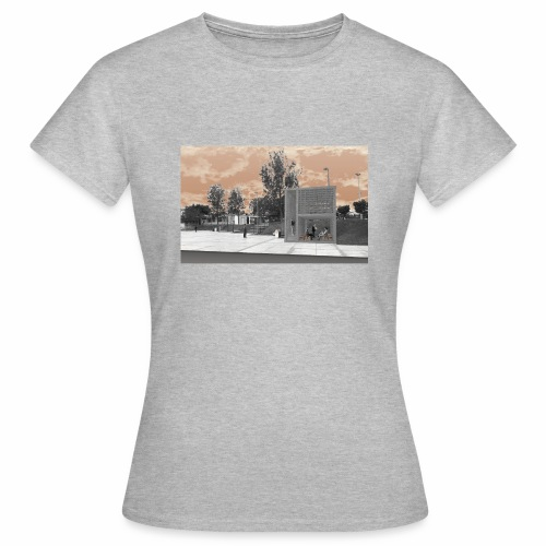 Arquitectura cambiada de lugar - Camiseta mujer