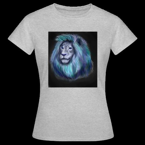 lio1 - Women's T-Shirt