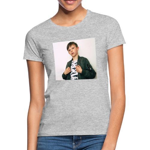FE9C6D2A 8234 4306 9426 E7820F70FEA6 - T-shirt dam