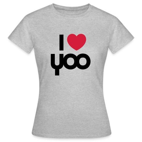 I YOO - Women's T-Shirt