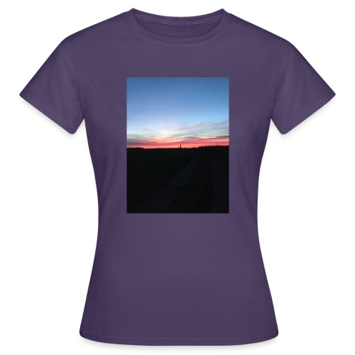late night cycle - Women's T-Shirt