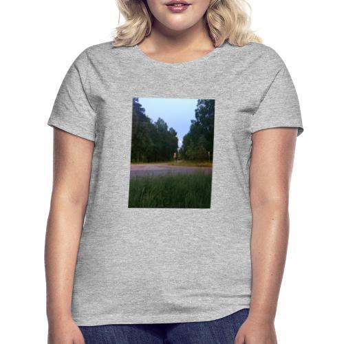 Måneveien - T-skjorte for kvinner