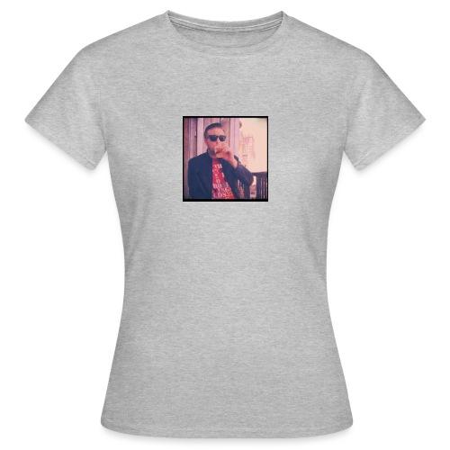 12400860 10156329063915548 9046381033564705636 n - Women's T-Shirt