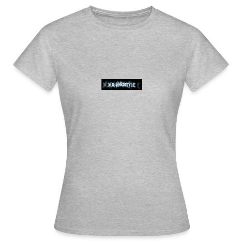 DerHardstyle.ch Kleines Logo - Frauen T-Shirt