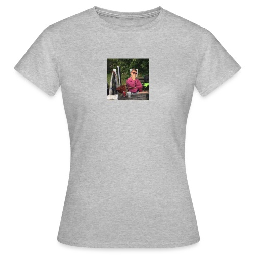 14484925 10209554910602420 3087937525797545518 n - Dame-T-shirt