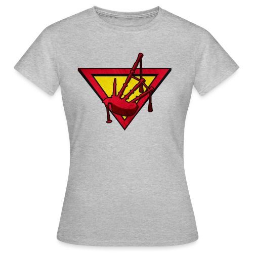 super piper - Women's T-Shirt