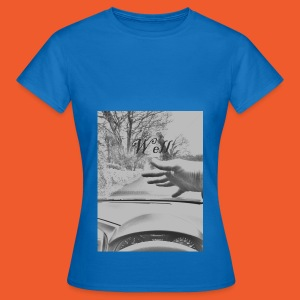 Well wave T-Shirt - Women's T-Shirt