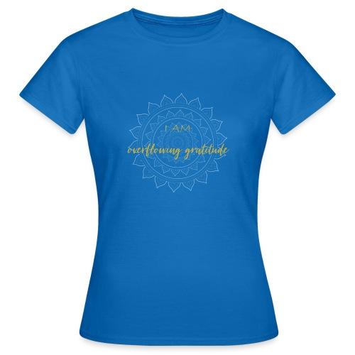 I am overflowing gratitude gold white mandala - Frauen T-Shirt