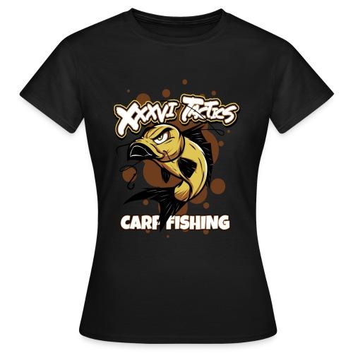 Carp fisching - karpfenangeln - by XXXVI TACTICS - Frauen T-Shirt