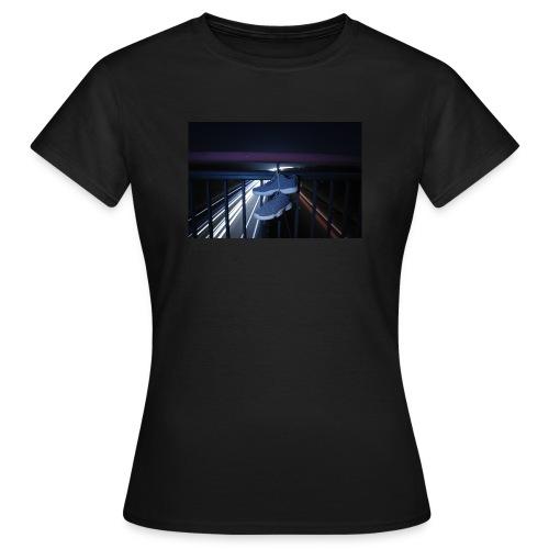 Sneakerart - Frauen T-Shirt