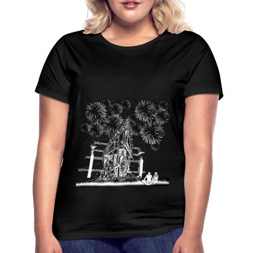 stage with fireworks and love - Vrouwen T-shirt