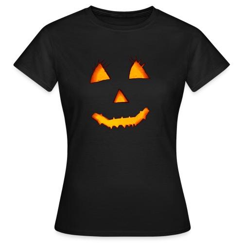 HALLOWEEN Gruselig lächelndes Kürbis Gesicht. - Frauen T-Shirt