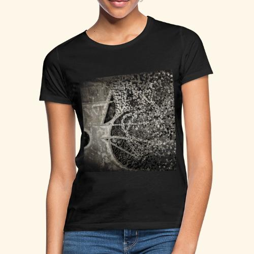 Changes Background by M & The Congregation - Frauen T-Shirt