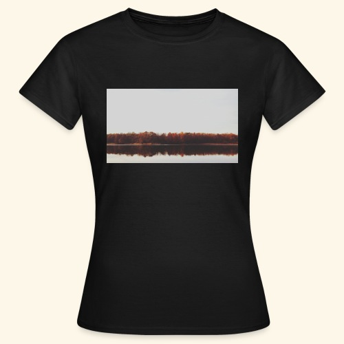 Jesienne jezioro - Koszulka damska