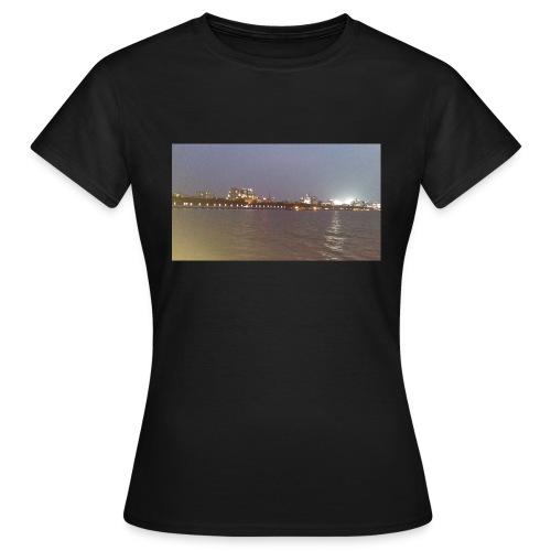 Friends 2 - Women's T-Shirt
