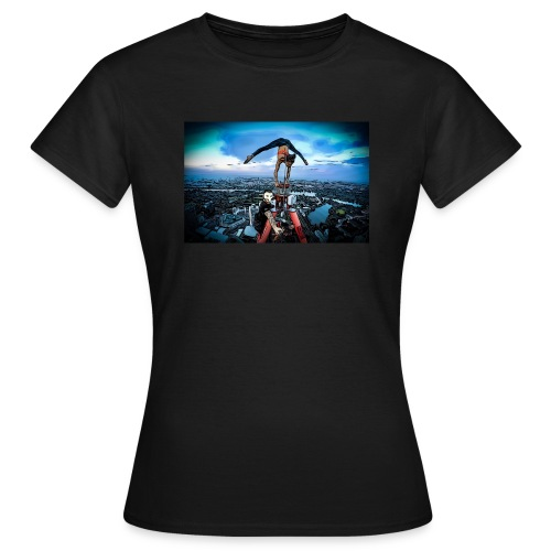 DC-Tower Vienna - Flying Dutchman & Milli-Artist - Frauen T-Shirt