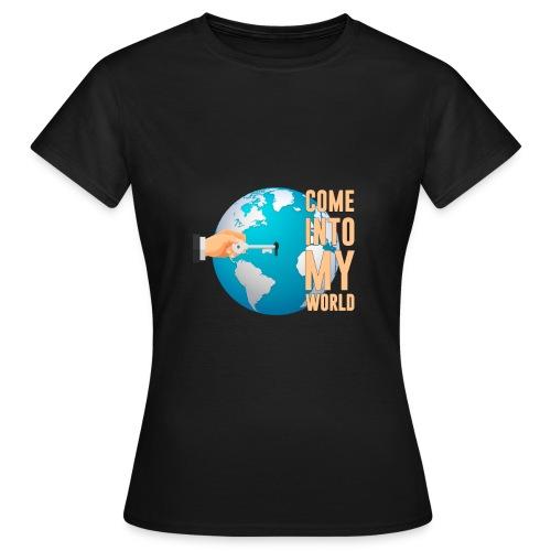Caro cloth design - Women's T-Shirt