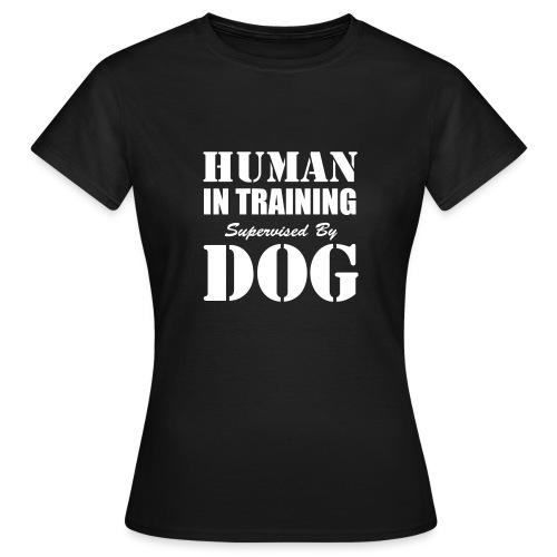 human-in-training - T-shirt dam