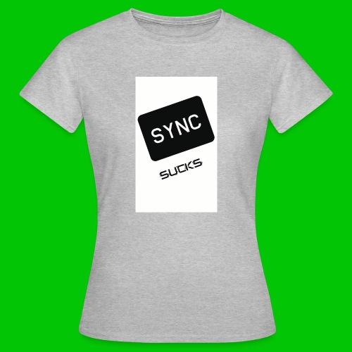 t-shirt-DIETRO_SYNK_SUCKS-jpg - Maglietta da donna