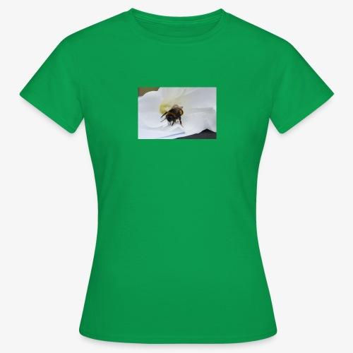 Beeflu - Women's T-Shirt