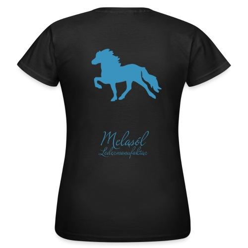 Großer Tölter & Melasól Schriftzug blau auf Rücken - Frauen T-Shirt