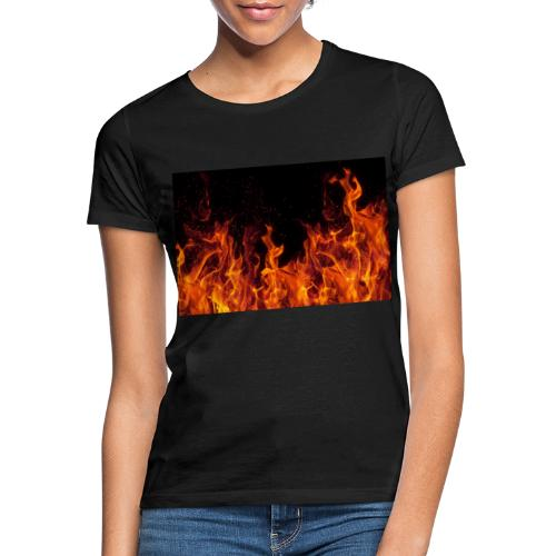 Feuer c OlgaMiltsova iStock GettyImages scaled - Frauen T-Shirt