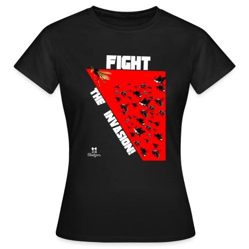 FIGHT THE INVASION - Camiseta mujer