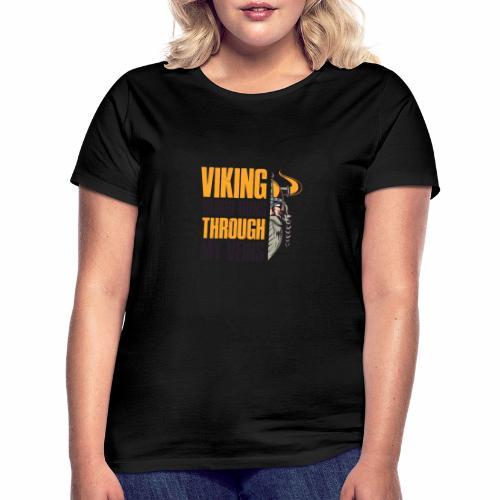 Viking Blood Runs Through My Veins - Naisten t-paita