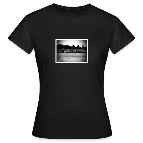 wells huts - Women's T-Shirt