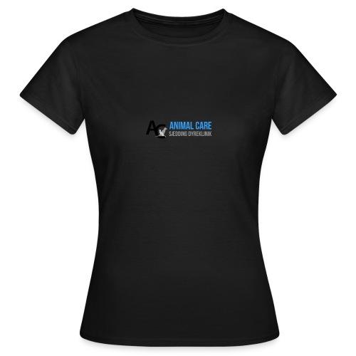 Sædding_Dyreklinik_ by Lattapon - Dame-T-shirt