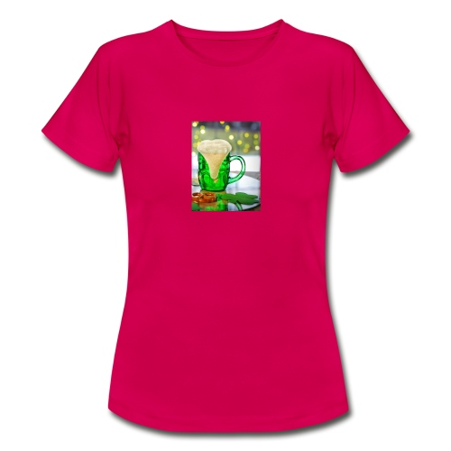 st patricks day green pint crop - Women's T-Shirt
