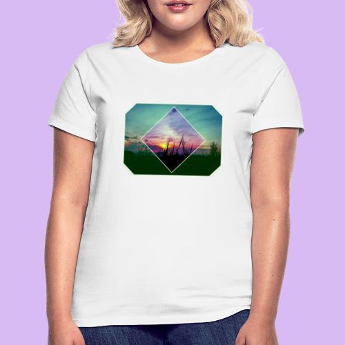 Tramonto in risalto tra figure geometriche - Maglietta da donna