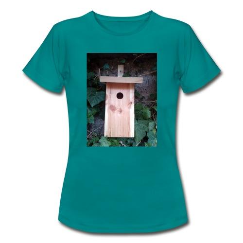 Der Nistkasten - Luxus für den Garten-Vogel - Frauen T-Shirt
