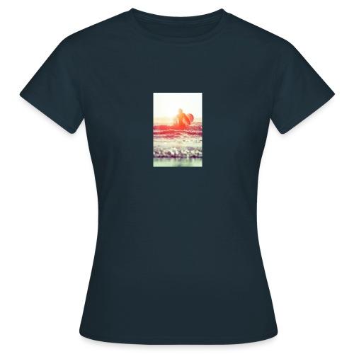 sunset surf jpg - Women's T-Shirt