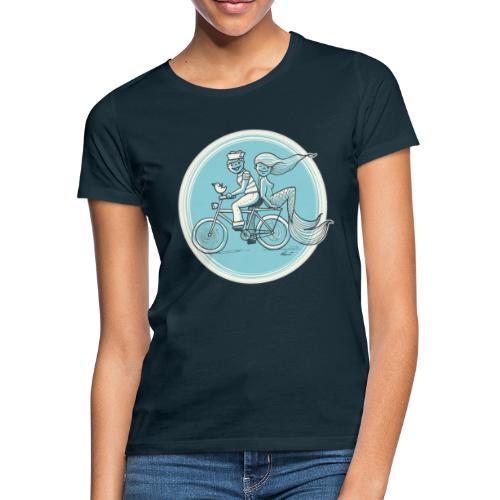 To the Beach - Backround - Frauen T-Shirt