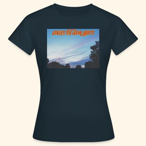 Q4ER - Women's T-Shirt