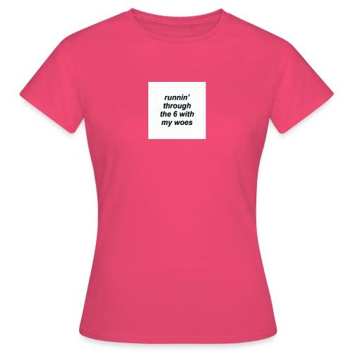 cap woes - Vrouwen T-shirt
