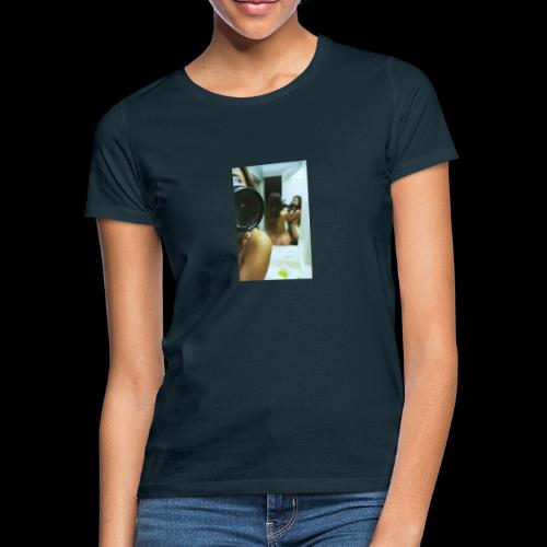 Caviar design presenting Eva - Frauen T-Shirt