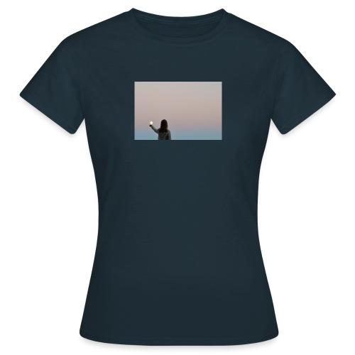 MOON - Naisten t-paita
