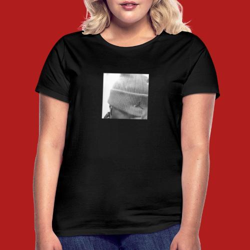 9466e98c 76c9 4ddb b915 4db7457ace02 - T-shirt Femme