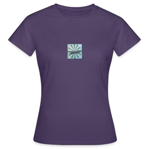 matty's - Women's T-Shirt
