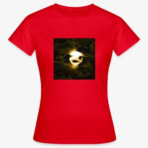0066158B DC1C 48E6 B504 AB517F3DBCDA - T-shirt dam
