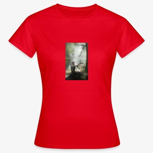 3565967A DC75 476B 97A3 E5CAFCD25D23 - Frauen T-Shirt