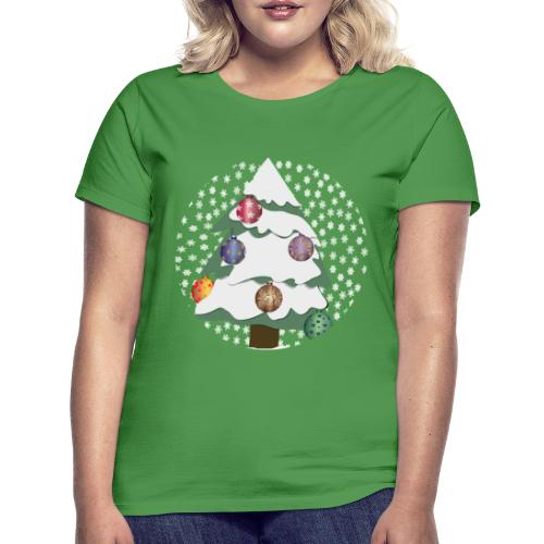 Christmas tree in snowstorm - Women's T-Shirt