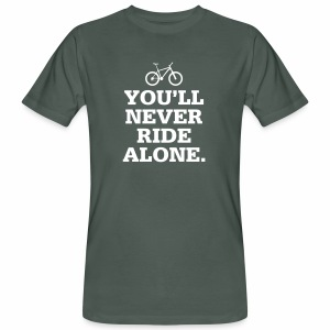 Never Ride Alone - Männer Bio-T-Shirt