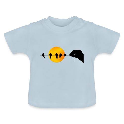 Una mano que sostiene pájaros. - Camiseta bebé