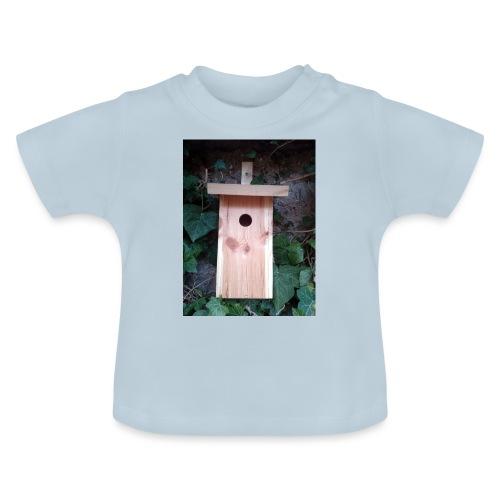 Der Nistkasten - Luxus für den Garten-Vogel - Baby T-Shirt
