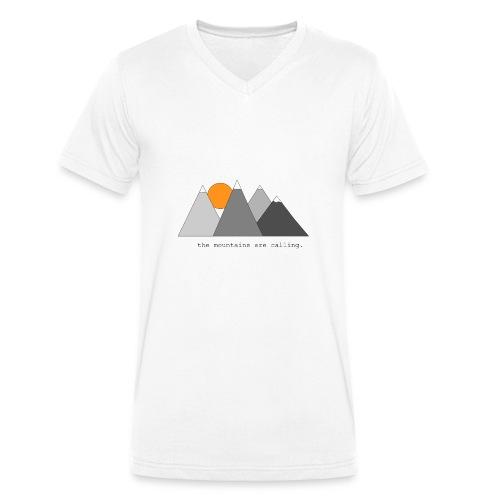 the mountains are calling. - Männer Bio-T-Shirt mit V-Ausschnitt von Stanley & Stella